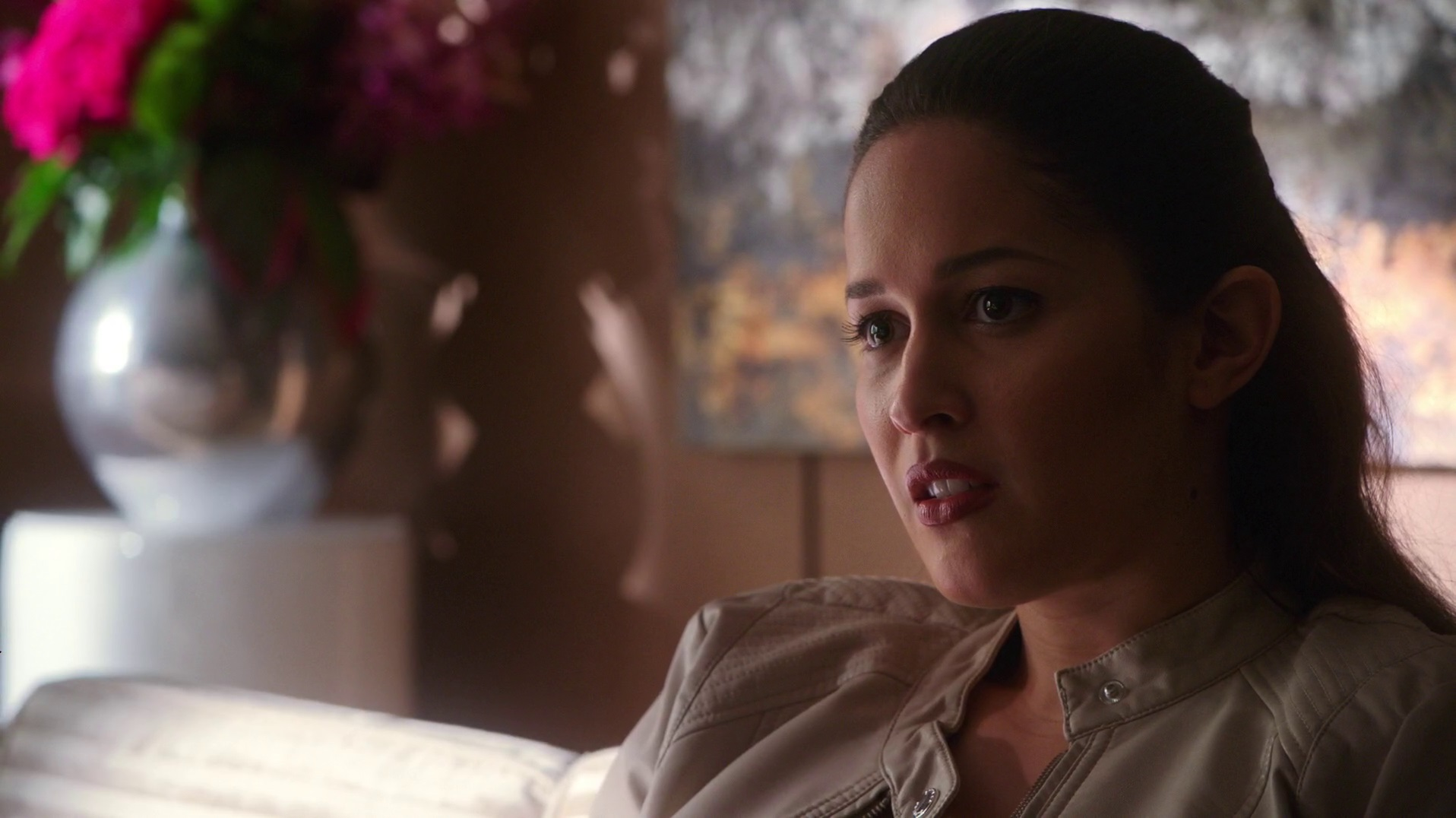 Jaina Lee Ortiz- Rosewood S01E01 (New Images) - Sexy And Hot .TV: sexyandhot.tv/2015/11/22/jaina-lee-ortiz-rosewood-s01e01-new-images