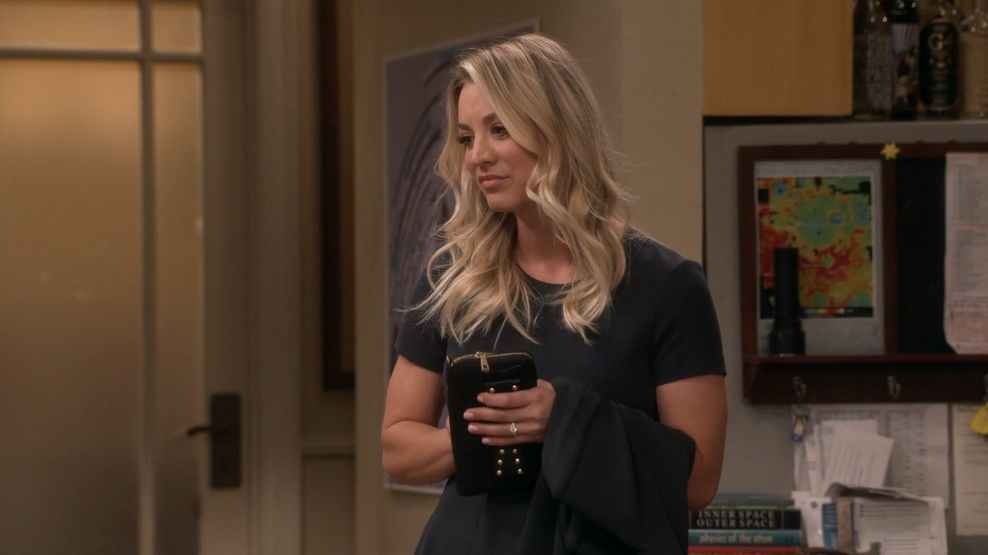 Kaley Cuoco, Blue Jeans- Big Bang Theory S11E18