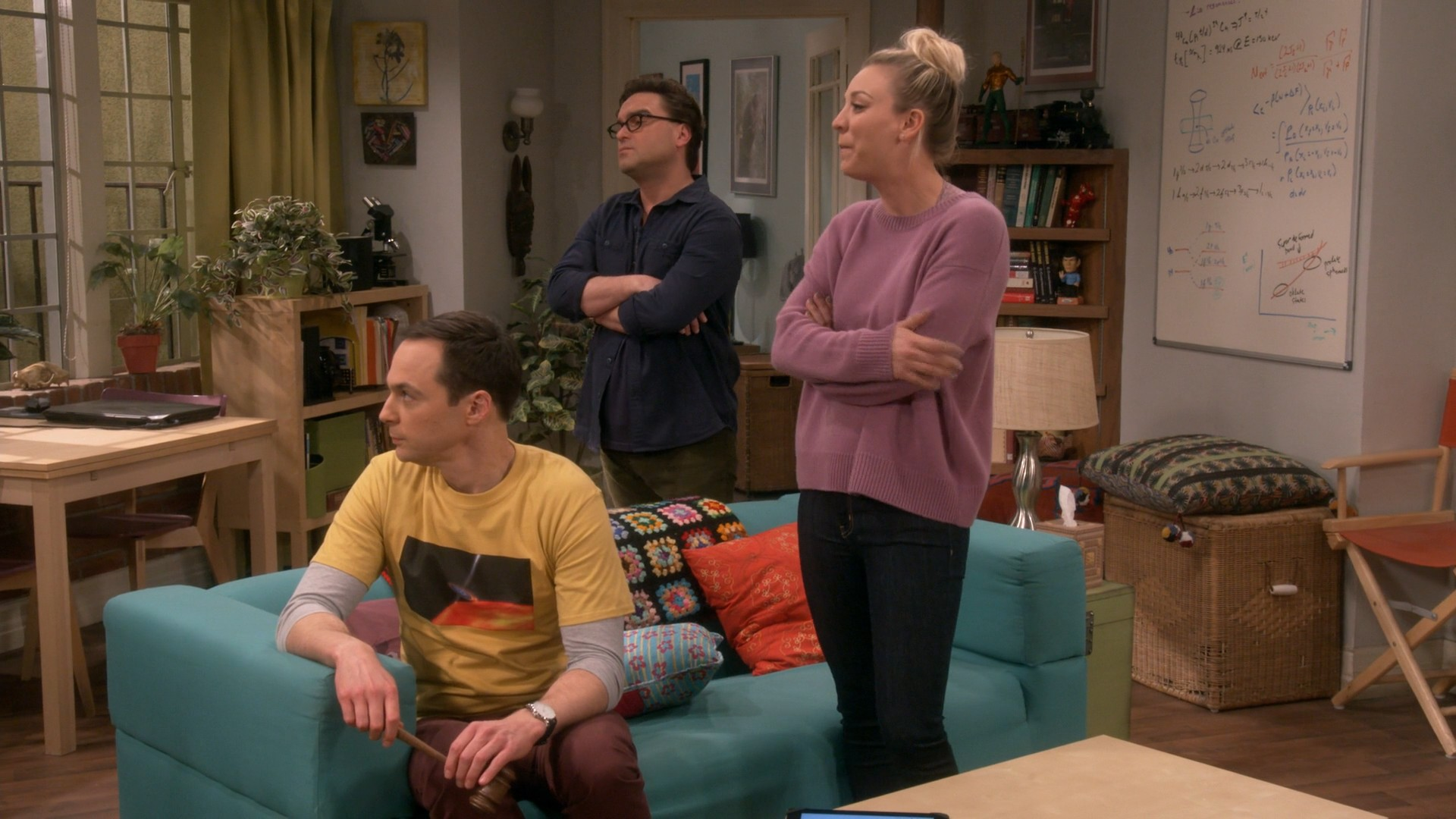 Kaley Cuoco, Blue Jeans- Big Bang Theory S11E19