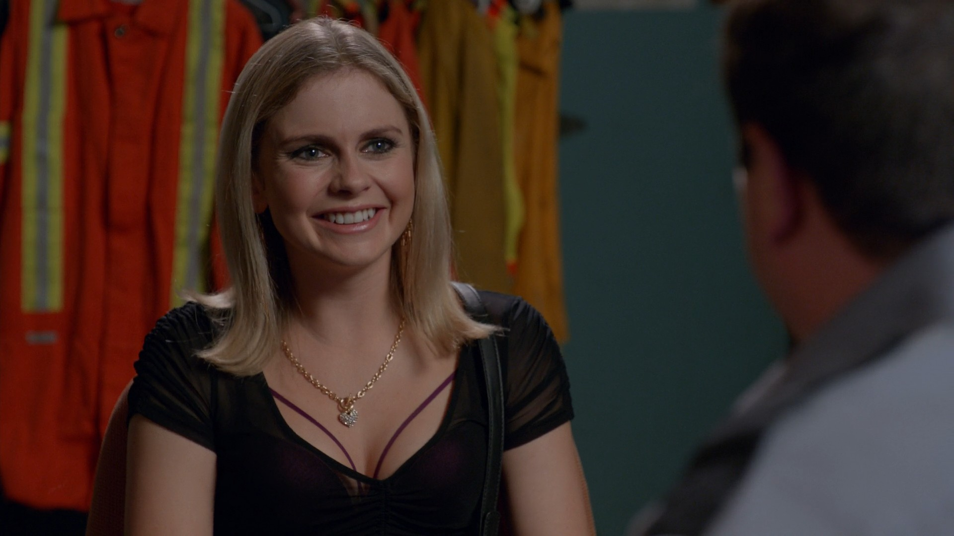 Rose McIver- S04E06 - Sexy And Hot  TV