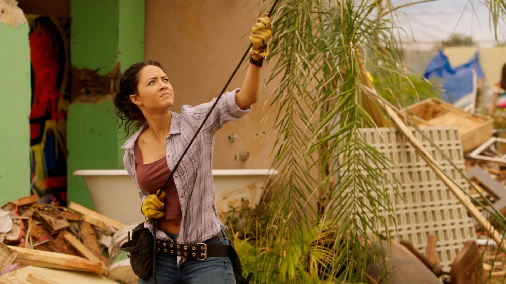 Tristin Mays Blue Jeans- MacGyver S02E21