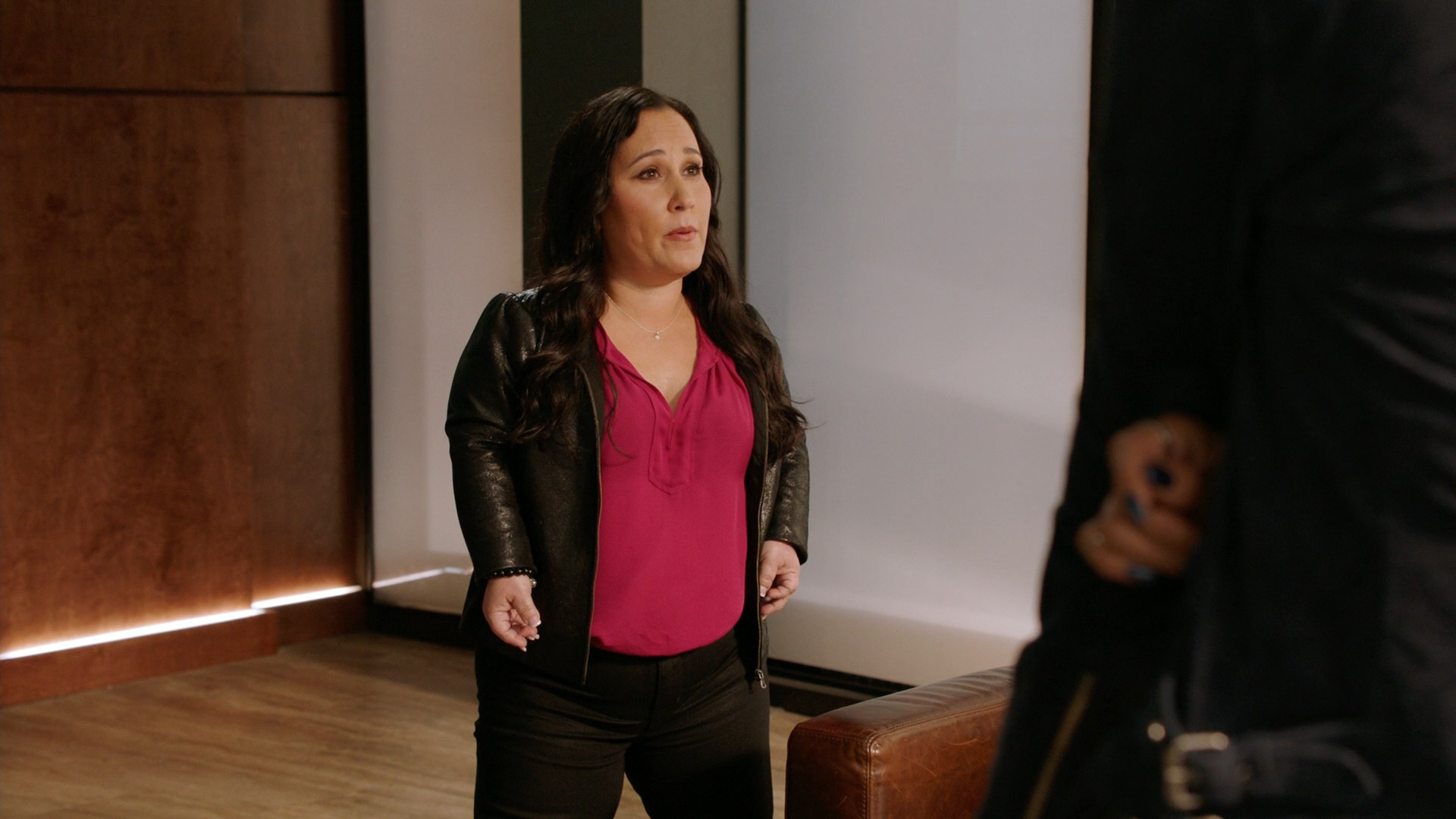 Tristin Mays, Meredith Eaton Black Jeans- MacGyver S02E22