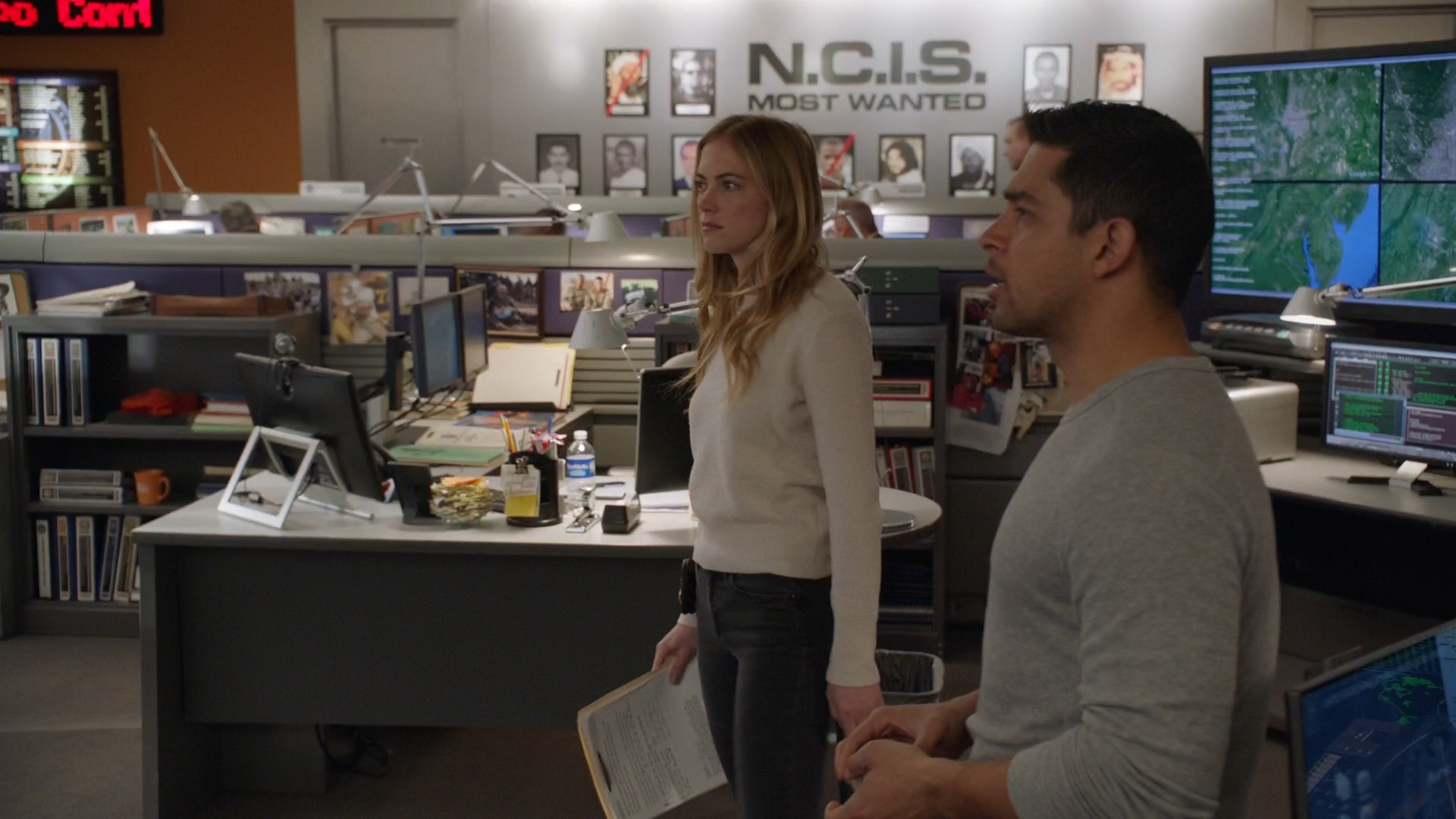 Emily Wickersham, Black Jeans- NCIS S15E19