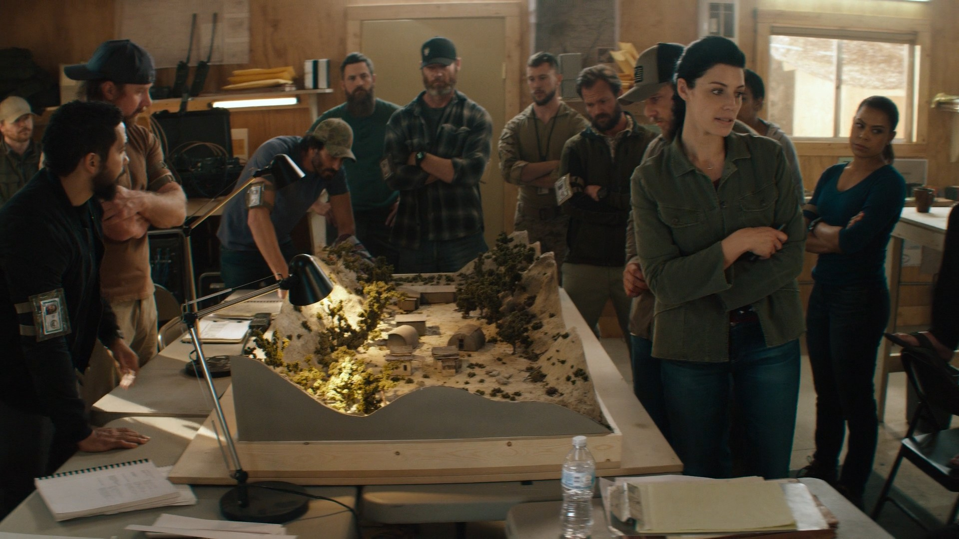 Jessica Paré, Blue Jeans- Seal Team S01E17