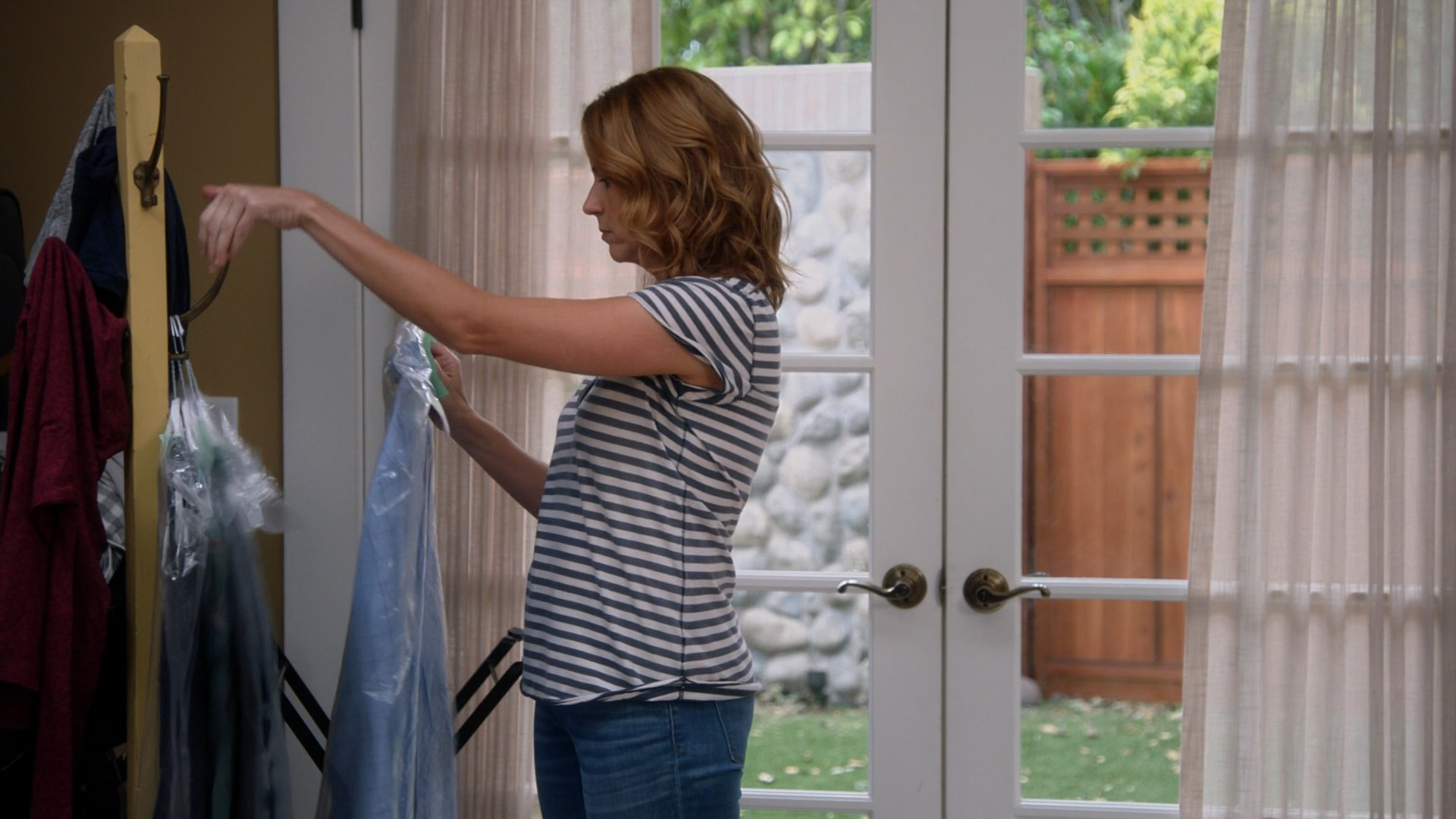 Jenna Fischer, Blue Jeans- Splitting Up Together S01E06-E07