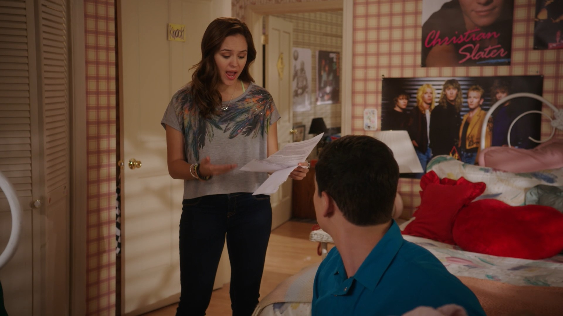 Hayley Orrantia, AJ Michalka, Stephanie Katherine Grant The Goldbergs- S06E01 (Sixteen Candles)(Season Premiere)