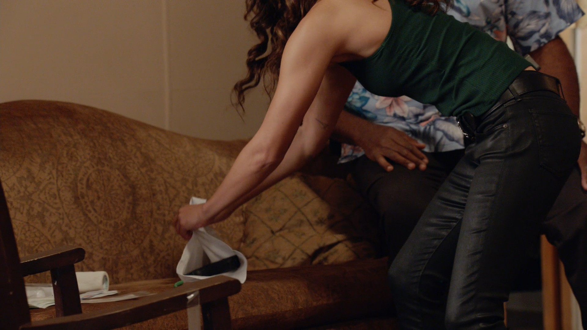 Meaghan Rath, Michelle Borth -Hawaii Five - 0 S09E10-E11