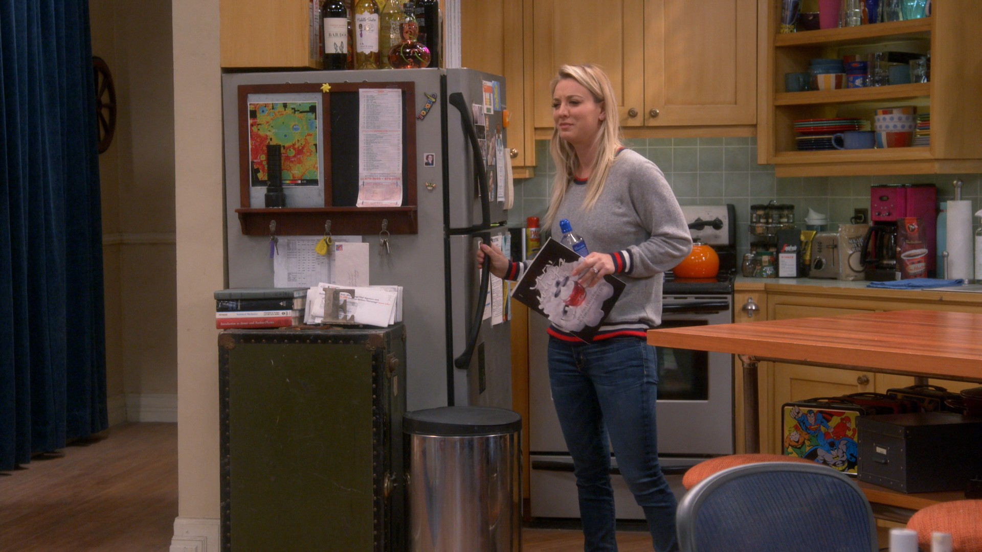 Kaley Cuoco- Big Bang Theory S12E09-E11