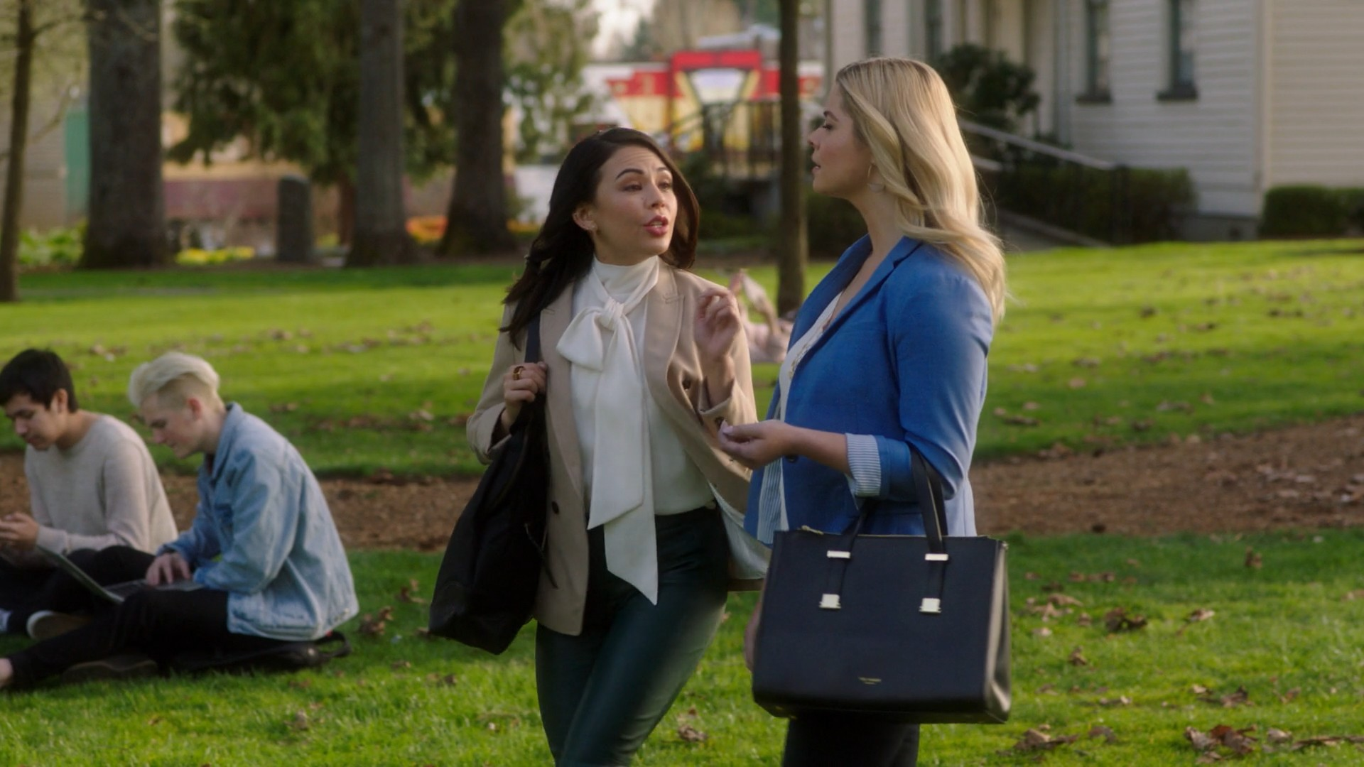Pretty Little Liars: The Perfectionists- S01E01 (Series Premiere, Pilot)Sasha Pieterse, Janel Parrish, Sofia Carson, Sydney Park
