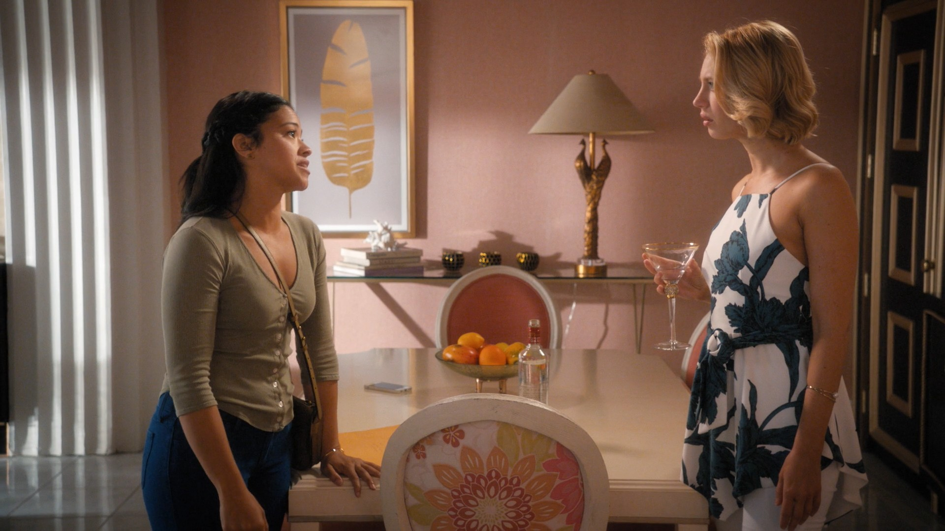 Gina Rodriguez, Yael Grobglas- Jane The Virgin S05E04