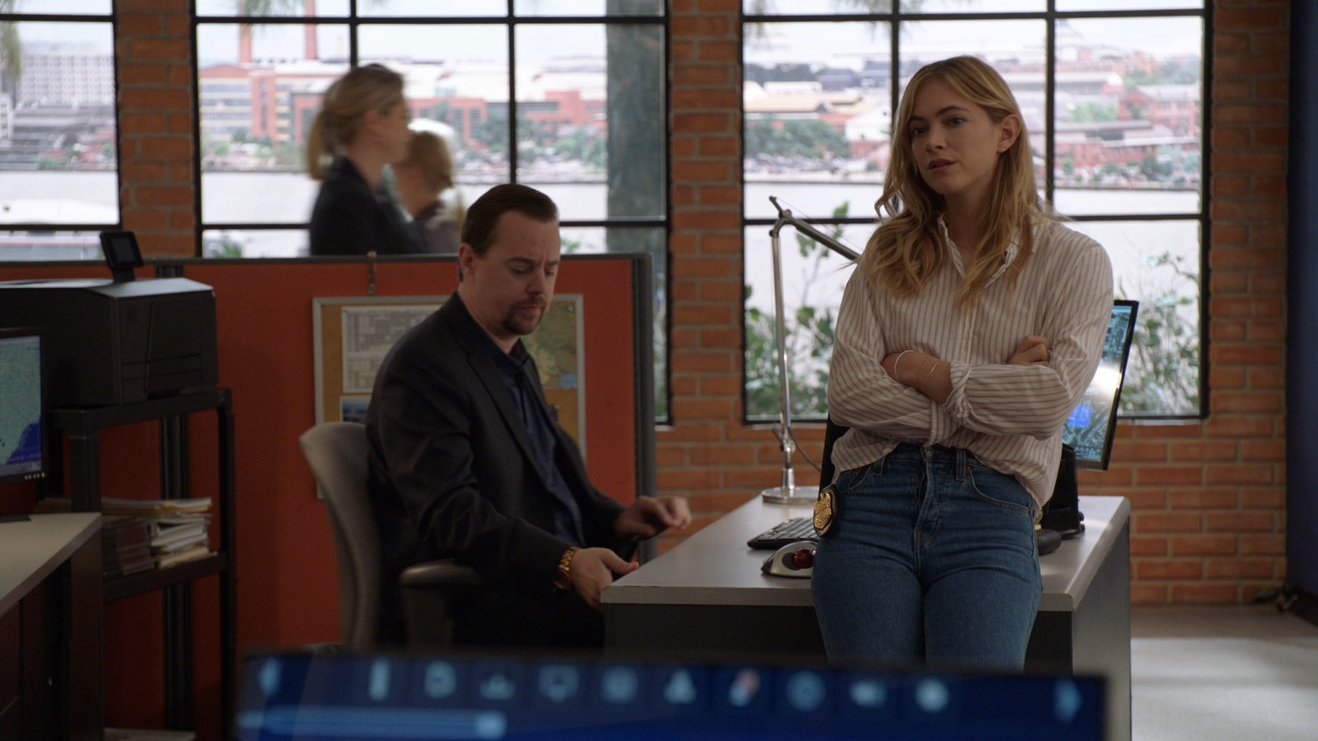 Emily Wickersham- NCIS S16E22